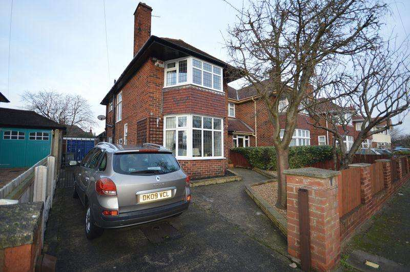 3 Bedrooms Semi Detached House for sale in Beachcroft Road, Meols