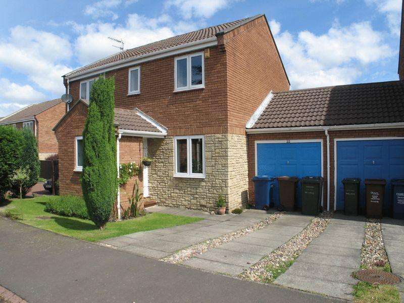 4 Bedrooms Semi Detached House for rent in Whitebridge Close, Newcastle Upon Tyne