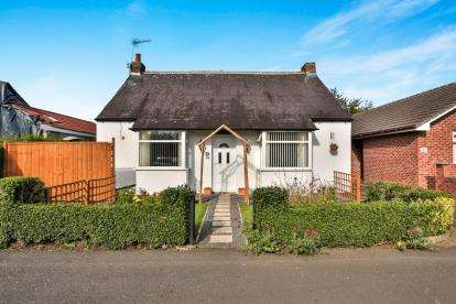 3 Bedrooms Bungalow for sale in King George Road, Newcastle Upon Tyne, Tyne and Wear, NE3