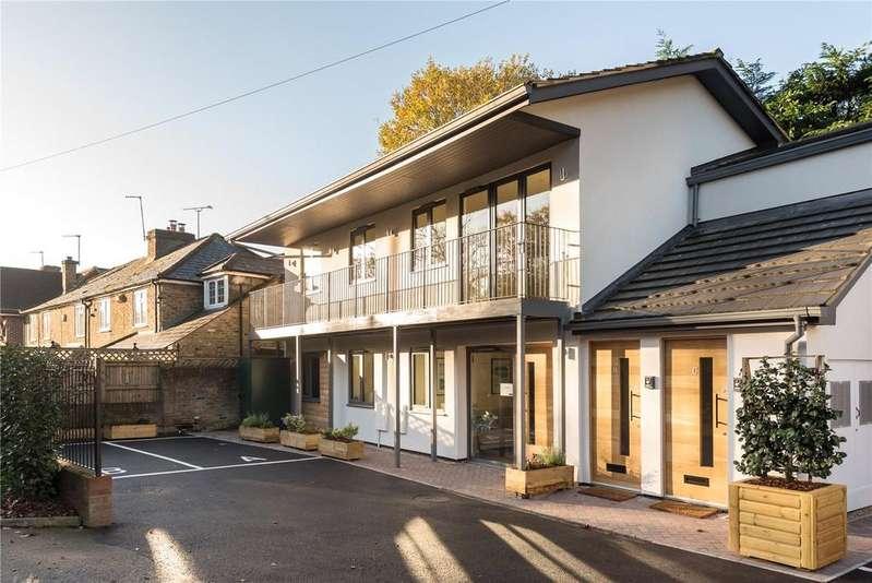 2 Bedrooms Flat for sale in Greenside View, Oxford Road, Gerrards Cross, Buckinghamshire