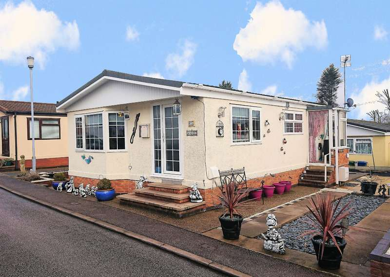2 Bedrooms Park Home Mobile Home for sale in Stationfields, Tamworth, B79 7JU
