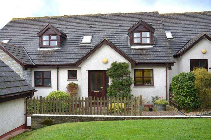 2 Bedrooms Town House for sale in 7 WOODLANDS, MULLION, TR12