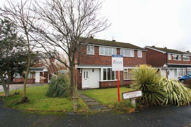 3 Bedrooms Semi Detached House for sale in Arundell Close Burtonwood Warrington