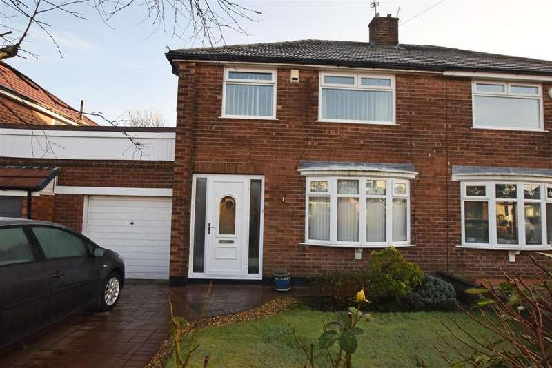 3 Bedrooms Semi Detached House for sale in Hardfield Road, Alkrington, Middleton