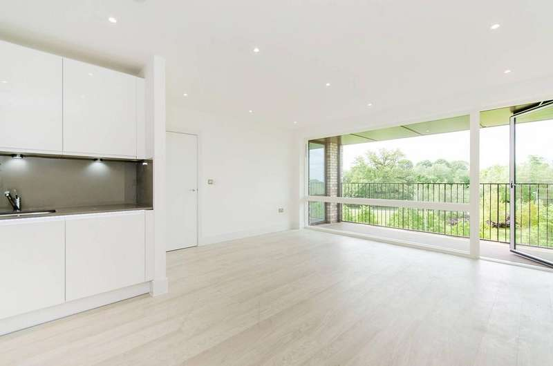 2 Bedrooms Flat for sale in Bodiam Court, Royal Waterside, , Lakeside Drive, Park Royal NW10