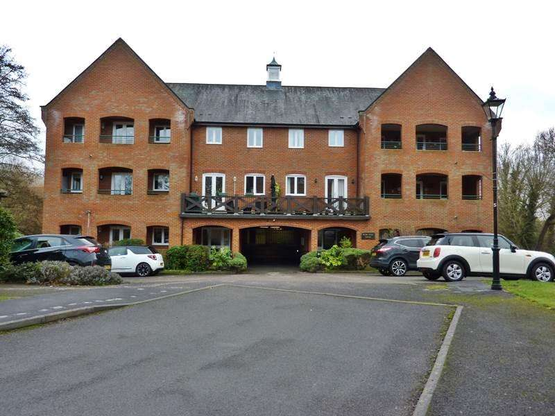 2 Bedrooms Flat for sale in TWYFORD