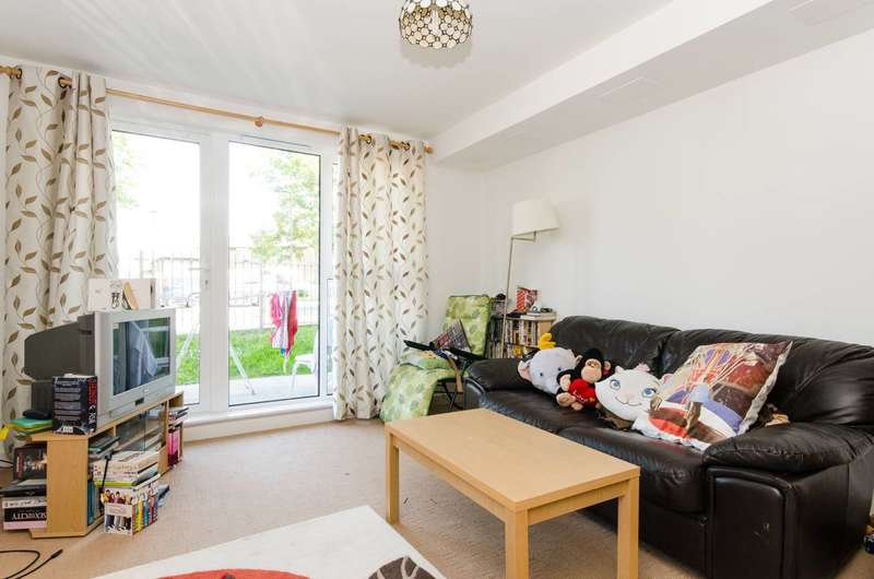 2 Bedrooms Flat for sale in Charlton Road, Greenwich, SE7