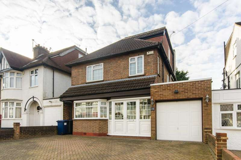 4 Bedrooms Detached House for sale in Longfield Avenue, Mill Hill, NW7