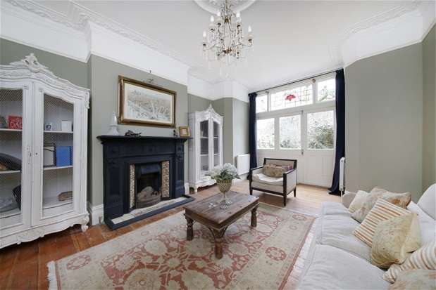 4 Bedrooms Flat for rent in Fontaine Road, Streatham