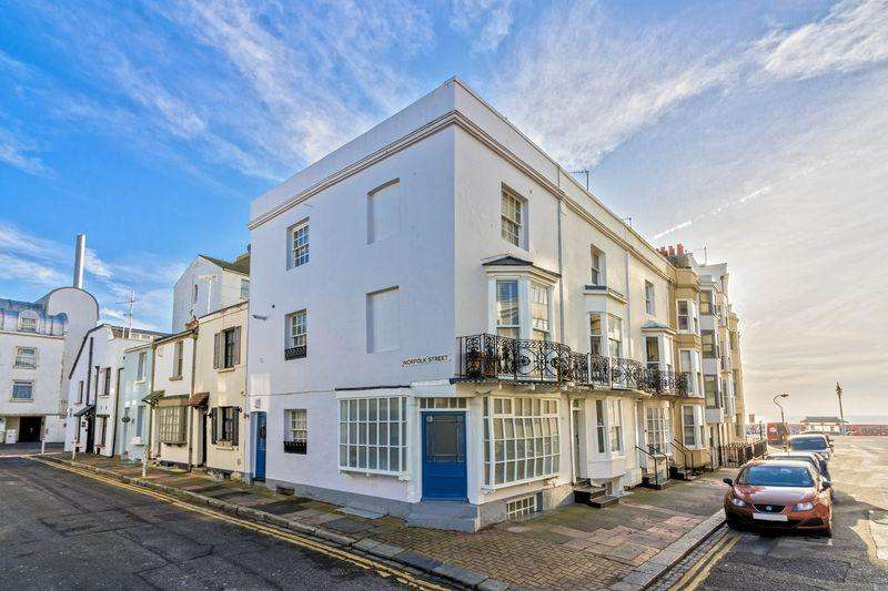 3 Bedrooms End Of Terrace House for sale in Western Street, Brighton
