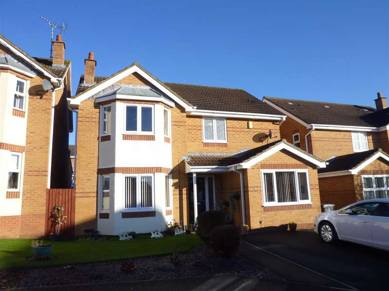 4 Bedrooms Detached House for sale in Gibbs Leaze, Hilperton, Trowbridge
