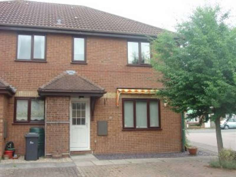 2 Bedrooms Cluster House for rent in Pentland Close Sandy Bedfordshire