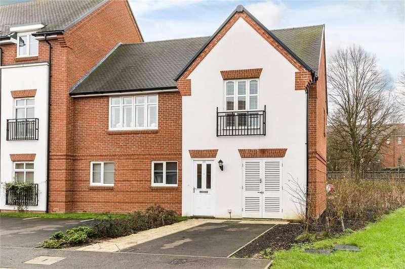 2 Bedrooms Maisonette Flat for rent in Meadow View, Little Chalfont, Buckinghamshire, HP6