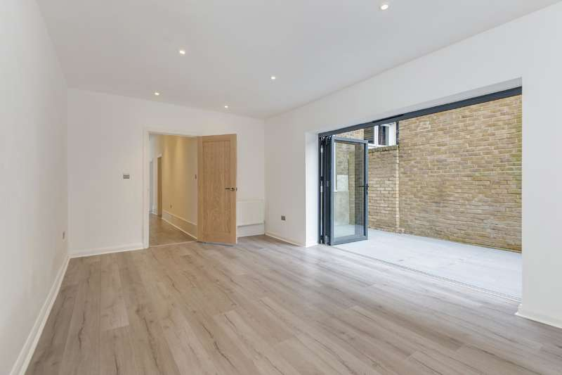 3 Bedrooms Flat for sale in West End Lane, West Hampstead