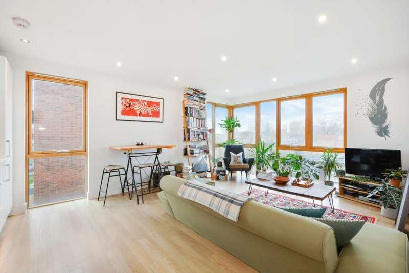 2 Bedrooms Apartment Flat for sale in Verdigris Gardens, London, E2