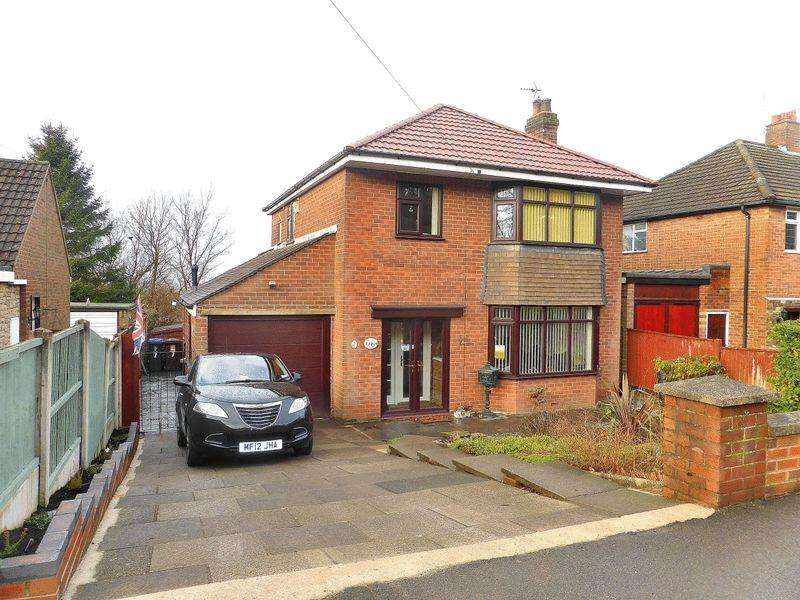 3 Bedrooms Detached House for sale in Windsor Drive, Leek