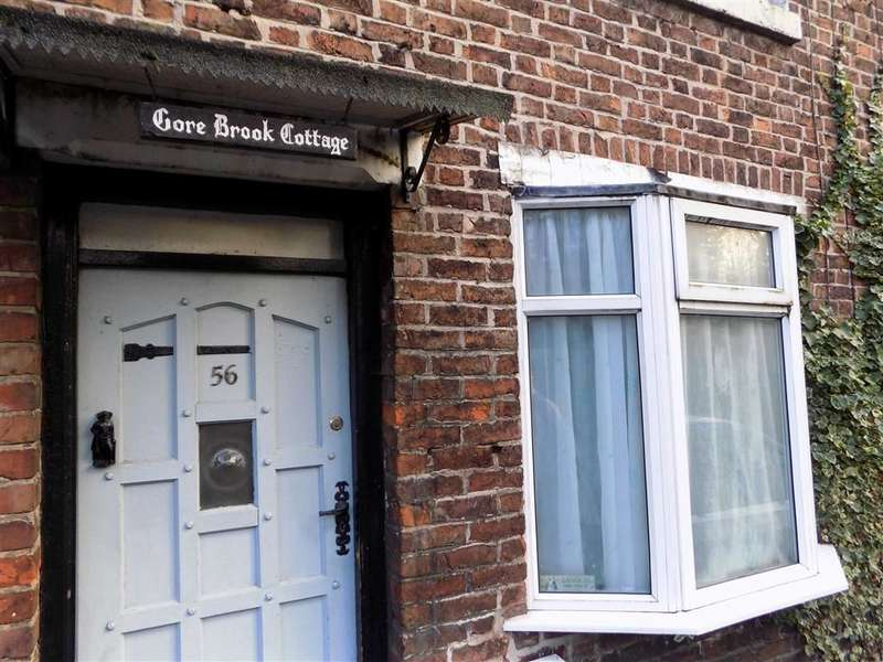 2 Bedrooms Terraced House for sale in Far Lane, Gorton, Manchester