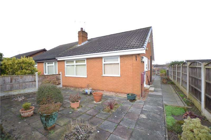 2 Bedrooms Semi Detached Bungalow for sale in Bamburgh Close, Leeds, West Yorkshire