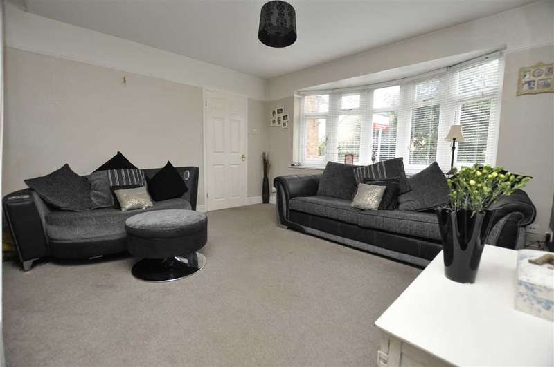3 Bedrooms Terraced House for sale in The Coverts, Writtle