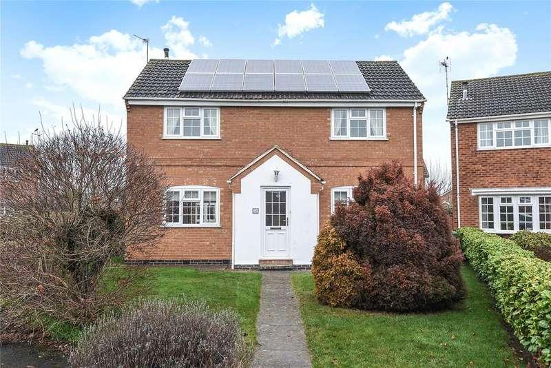 4 Bedrooms Detached House for sale in Langdale Crescent, Grantham, NG31