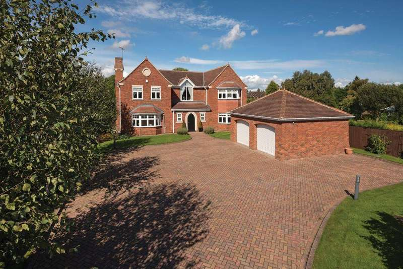 5 Bedrooms Detached House for sale in Darras Road, Darras Hall