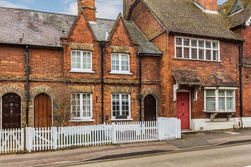3 Bedrooms Terraced House for sale in Portsmouth Road, Guildford