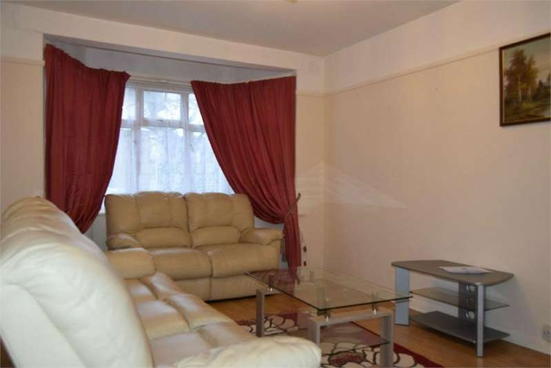 2 Bedrooms Flat for rent in Westbury Road, Feltham, Greater London