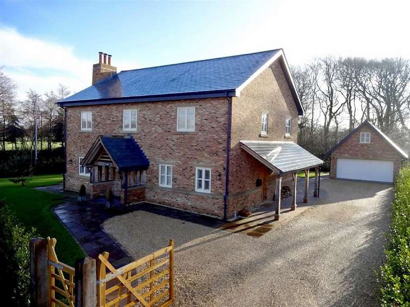 4 Bedrooms Detached House for sale in Ballam Oaks, Lytham