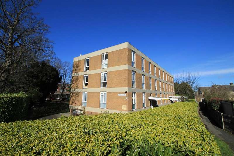 2 Bedrooms Flat for sale in Croft court, Main Street, Menston,