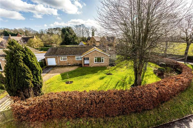 3 Bedrooms Detached Bungalow for sale in Frog Lane, Upper Boddington, Daventry, Northamptonshire, NN11