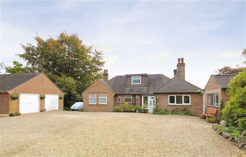 4 Bedrooms Detached House for sale in Turners Lane, Llynclys, Oswestry, SY10