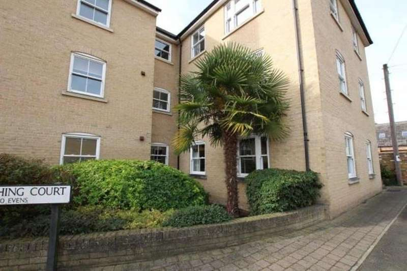 3 Bedrooms Apartment Flat for sale in Winfarthing Court, Ship Lane