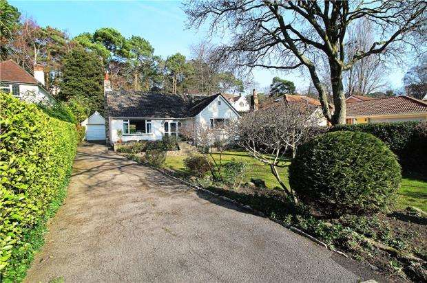 3 Bedrooms Bungalow for sale in Lower Parkstone, Poole, Dorset, BH14