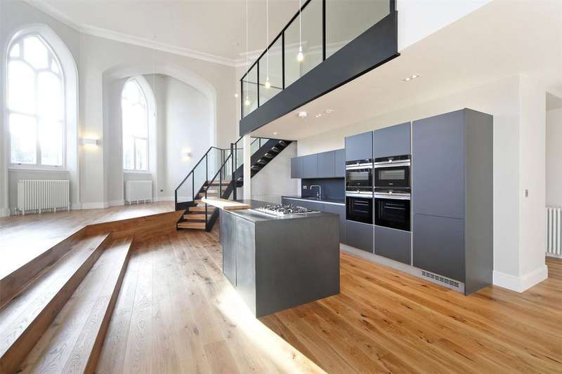 2 Bedrooms Flat for sale in The Academy, Woolwich Common Road, London, SE18
