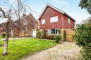 4 Bedrooms Detached House for sale in Limden Close, Stonegate, East Sussex