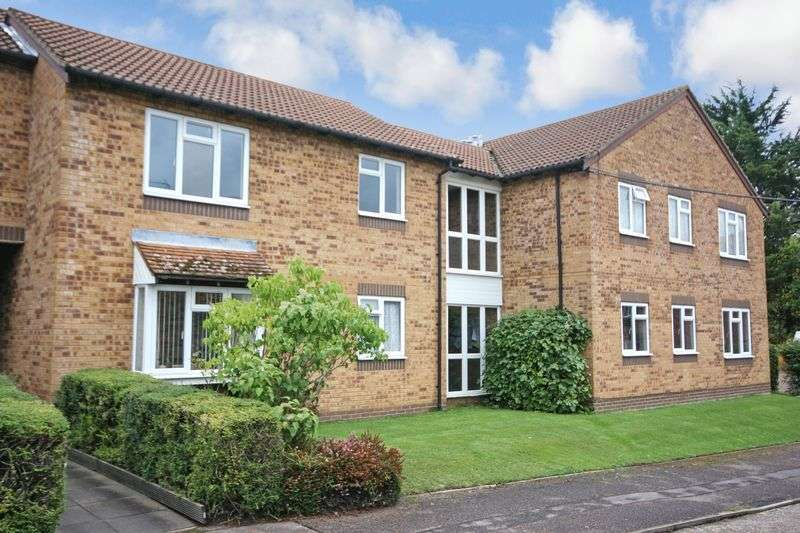 2 Bedrooms Property for sale in Larks Meade, Reading, RG6 5TA