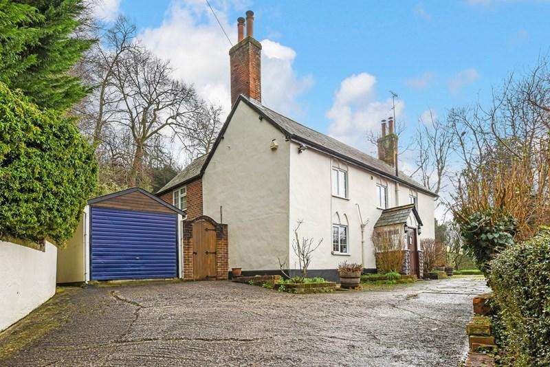 4 Bedrooms Detached House for sale in Leigh Road, Andover