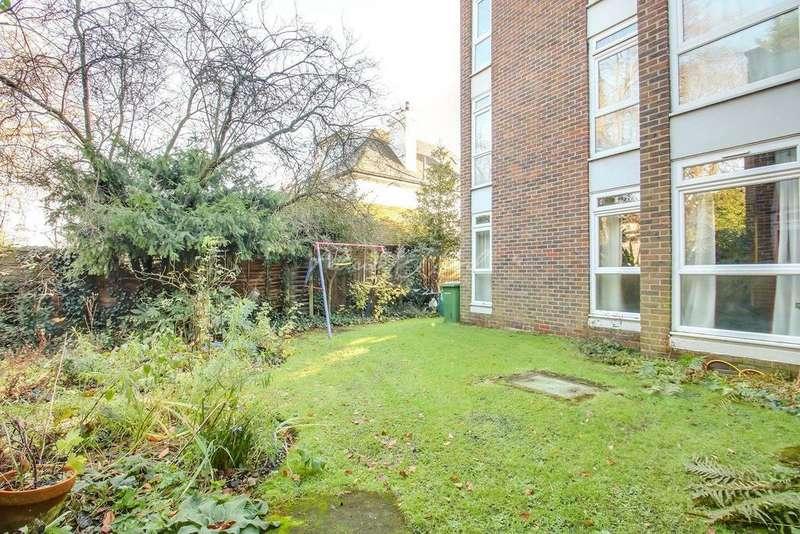 2 Bedrooms Flat for sale in Everdene, Hardy Road, Blackheath, SE3