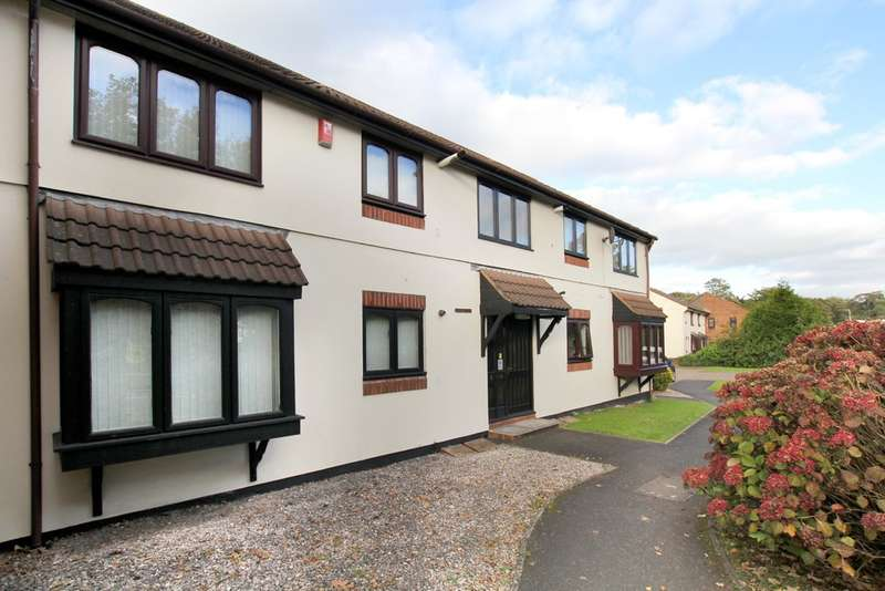 2 Bedrooms Flat for rent in St Marys Close, Plympton