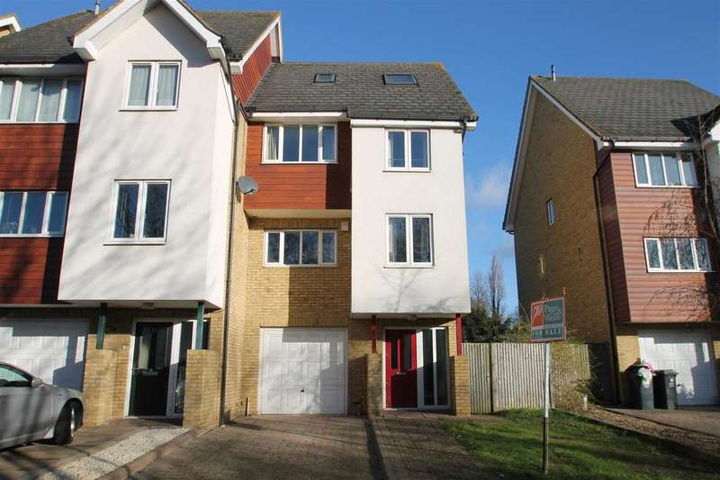 4 Bedrooms Semi Detached House for sale in Friars View, Aylesford