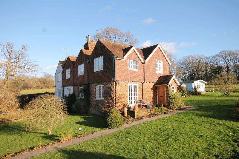 4 Bedrooms Semi Detached House for sale in Broadhurst Manor Road, Horsted Keynes, West Sussex