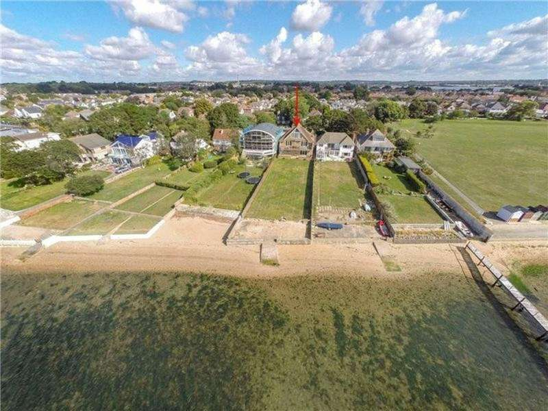 6 Bedrooms Detached House for sale in Branksea Avenue, Poole