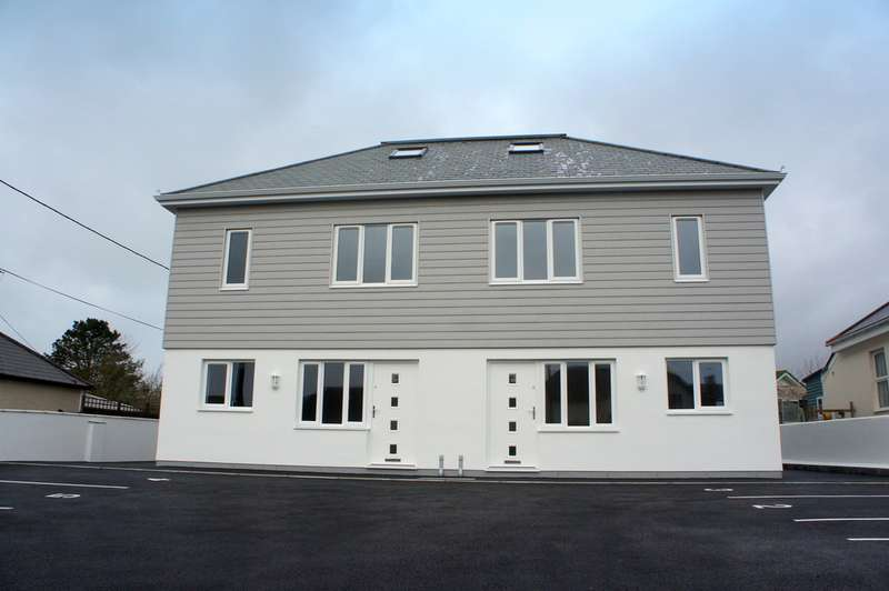 2 Bedrooms Terraced House for rent in Goonhavern TR4
