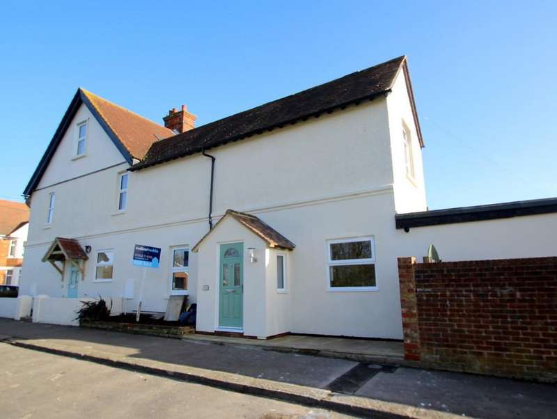 2 Bedrooms End Of Terrace House for sale in East Ham Road, Littlehampton