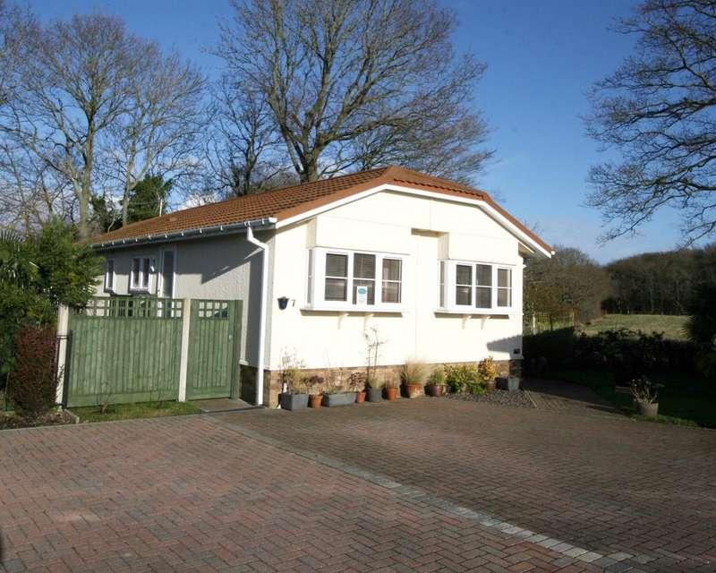 2 Bedrooms Park Home Mobile Home for sale in Woodlands Lodge Park, Woodlands Park TN27