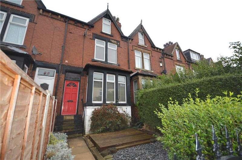 4 Bedrooms Terraced House for sale in Cross Flatts Drive, Leeds