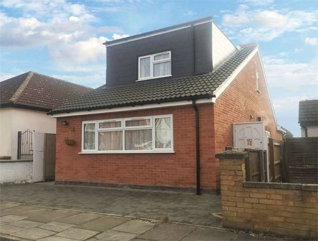 3 Bedrooms Detached House for sale in Melton Avenue, Leicester