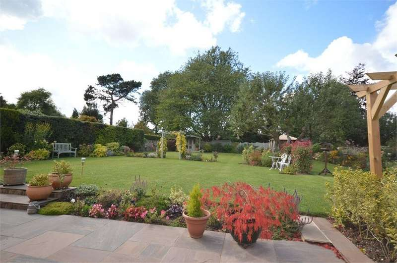 3 Bedrooms Detached Bungalow for sale in Poplars Close, New Barn