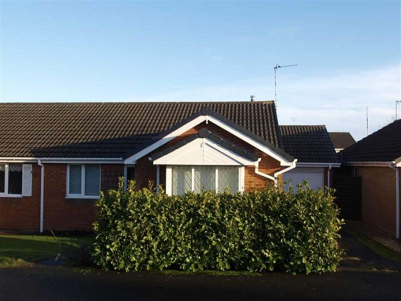 2 Bedrooms Semi Detached Bungalow for sale in Prestbury Avenue, Cramlington