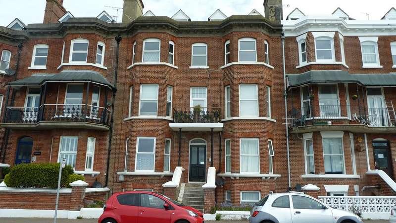 2 Bedrooms Apartment Flat for sale in South Terrace, Littlehampton BN17